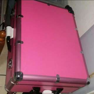 Hi Seller Out There I Am Looking This Pretty Make Up Box Trolley Exact To Picture In Brand New Pls Do Message Me If You Have Exact To This..thanks