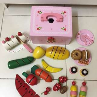 Sweet Pink Wooden Picnic Set