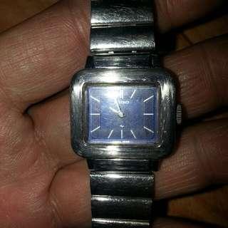 舊嘅SEIKO JAPAN 兩針女裝手錶