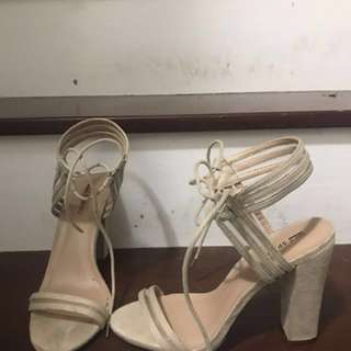 Call it spring shoes worn once size 7.5