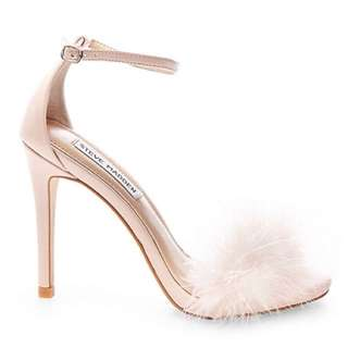 PRICE DROP. BRAND NEW STEVE MADDEN PINK FLUFFY HEELS (size6)
