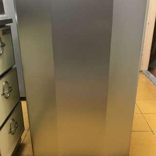 二手如新大同小冰箱TR-100S
