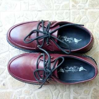 Sepatu oxford maroon free box.