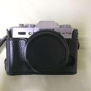 Fujifilm X-T10 Silver with XF 18mm F2 lens