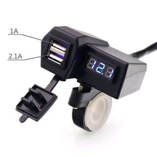 Newest Waterproof Motorcycle 12V 2.1A USB Charger Power Port and 3 Digital Disply Voltmeter Voltage Meter Battery Monitor