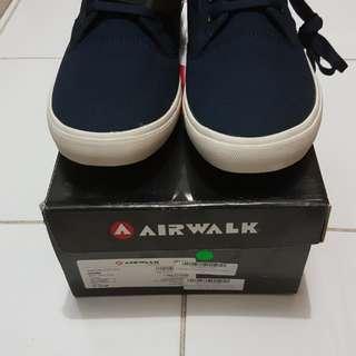 Sepatu airwalk navy ukuran 43 BNIB