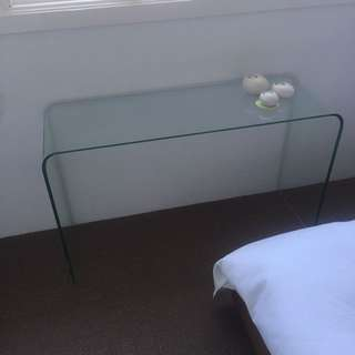Glass console table (Freedom)