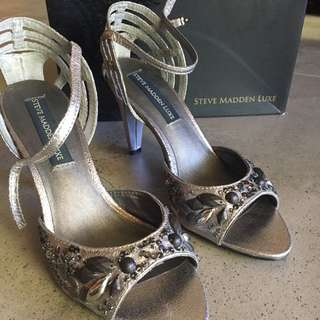 Pewter Steve Madden Luxe size 8 shoes