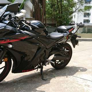 Brand new looking Yamaha YZF R3 ABS