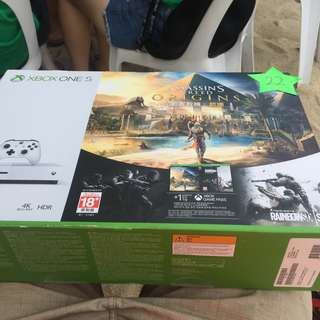 Xbox One S Assassins Creed Origins Bonus Bundle (1TB)