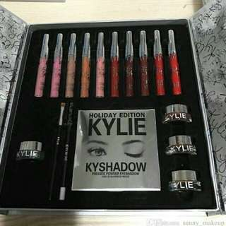 Surprise Makeup / Cosmetics Grab Gift Set