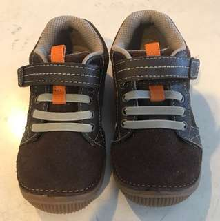 Stride rite leather shoe