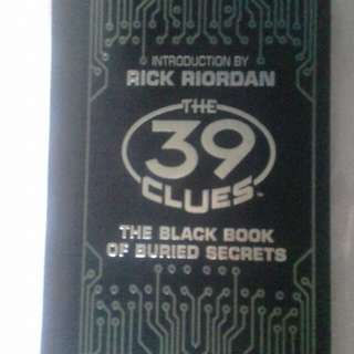 39 clues (The Black Book of Buried Secrets)