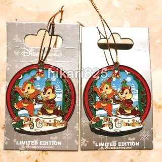 Disney pin 2017 聖誕節 Christmas Chip n Dale