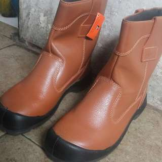 King, Safety Boot Size 10 44/45
