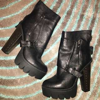 Size 8 fashion statement boots
