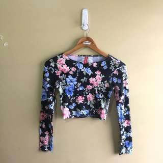 New H&M Cropped Long Sleeves