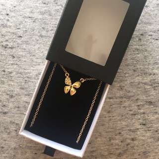 BRAND NEW GOLD BUTTERFLY SWAROVSKI NECKLACE!