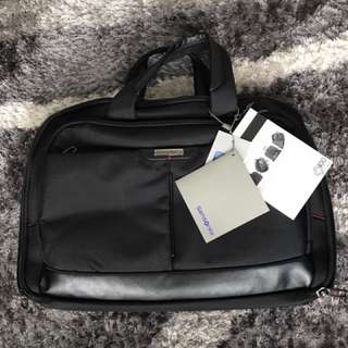 "Samsonite laptop bag 15""to 17"""