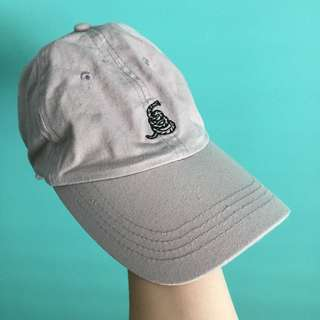 ⚡️ Brand new Cotton On hat. ⚡️