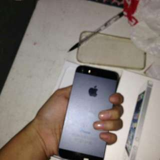 Iphone 5 black unit and charger