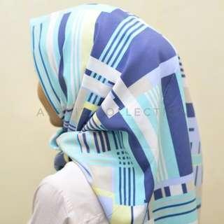 Hijab segiempat blue motif