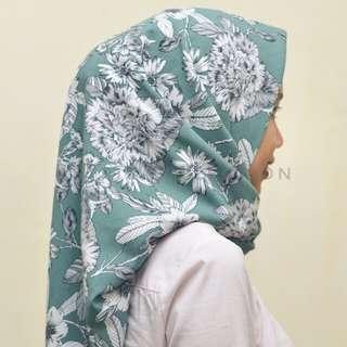 Hijab segiempat tosca floral motif