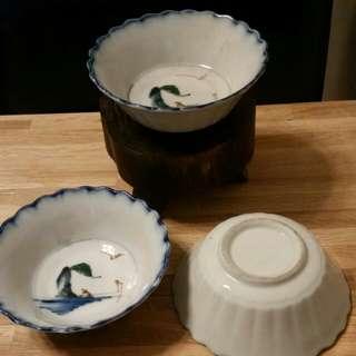 手繪花邊老瓷碗三只