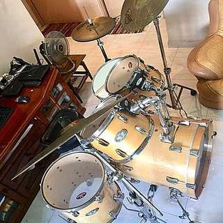 Pearl Drum Package Set