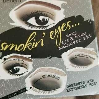 Benefits smokin' Eyes palette