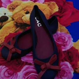 Jelly shoes pita warna navy