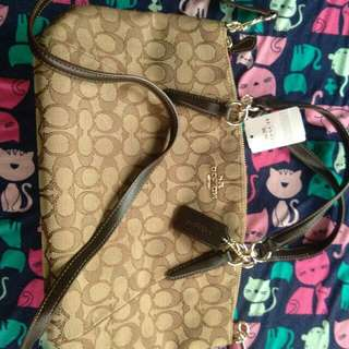 Authentic coach kelsey sling bag