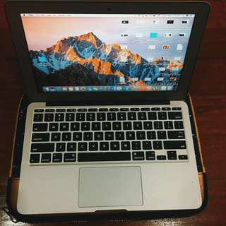 "Repriced!!! Macbook Air 11"" Early 2014"