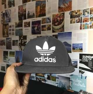 Topi Snapback Adidas Originals