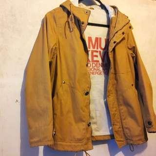 中性泥黃長袖戶外拉鏈外套