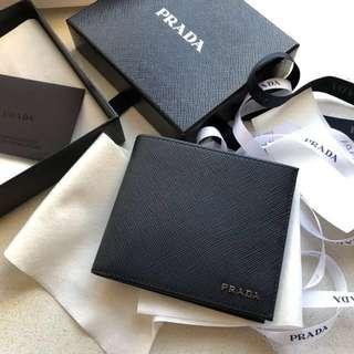 「全新」Prada man wallet 藍色併灰色 凸字logo 男裝銀包
