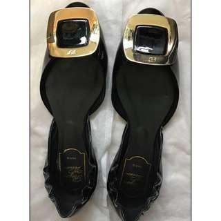 Roger Vivier平底鞋