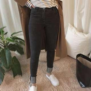 Aaourbuy a.a. 激瘦 黑色牛仔褲 窄管褲 #舊愛換新歡