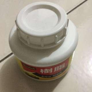 白膠一大罐