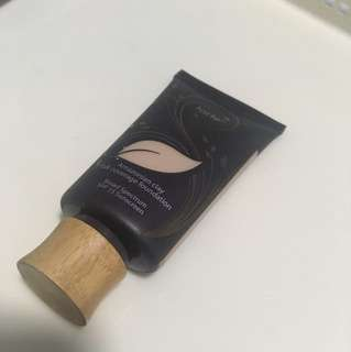 Tarte Amazonian Clay full coverage foundation - light neutral