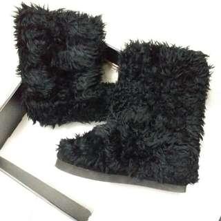 IT 黑色毛毛短靴 Boot