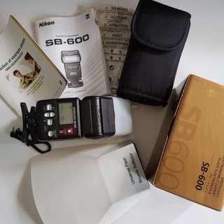 Nikon SB-600 speedlight