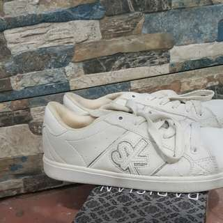 SK white shoes (orig)
