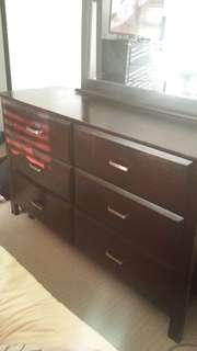 Bedroom drawers dresser with mirror