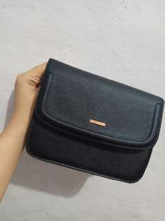 Mini sling bag bershka ori