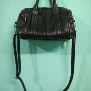 PARISIAN bag with zipper details