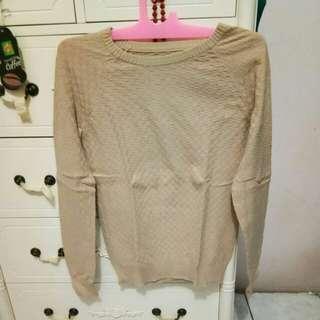 Sweater rajut kotak