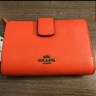 New coach wallet. 銀包。Brought at Canada. Orange
