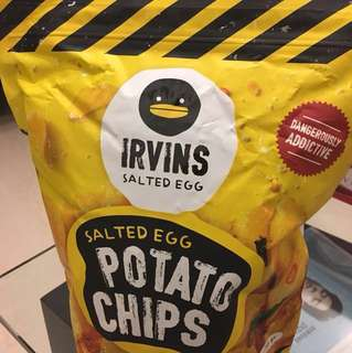 IRVINS Salted Egg Potato Chips (230g)