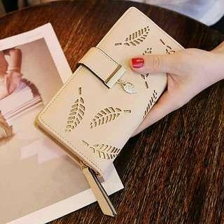 Women's Long Leaf Bifold Wallet Leather
